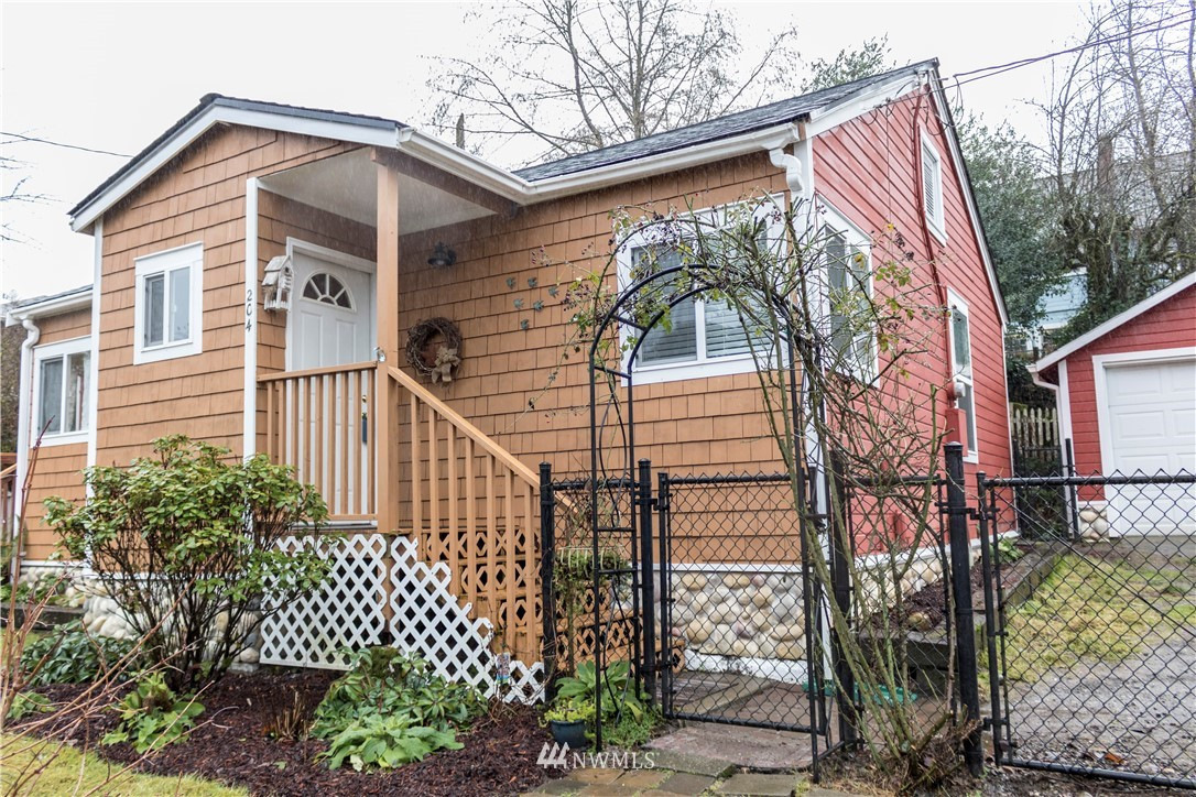 204 Smith St , Port Orchard, WA 98366