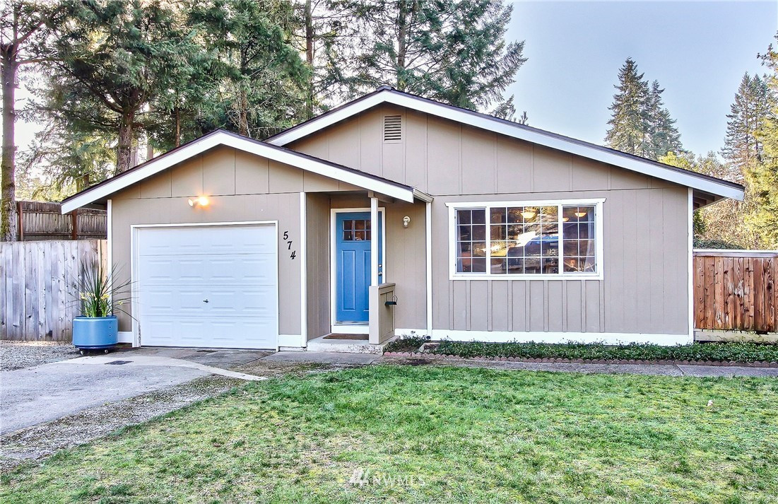 574 SW View St , Port Orchard, WA 98367