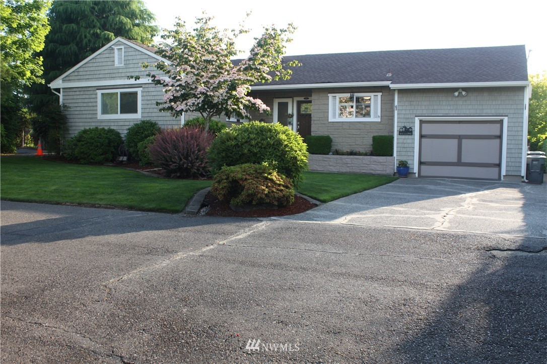 2218 Crystal Springs Rd W, University Place, WA 98466