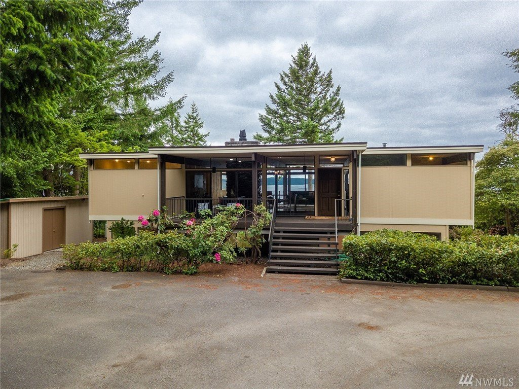 1114 Queets Dr , Fox Island, WA 98333