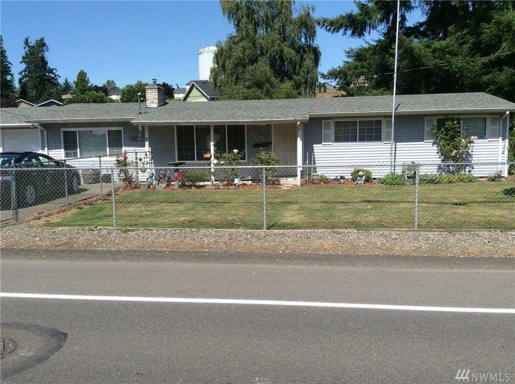 805 Brookdale Rd E, Tacoma, WA 98445