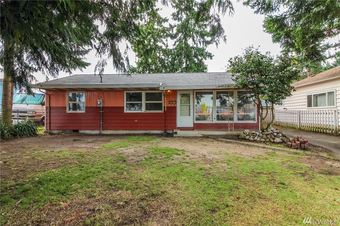 1302 113th St S, Tacoma, WA 98444