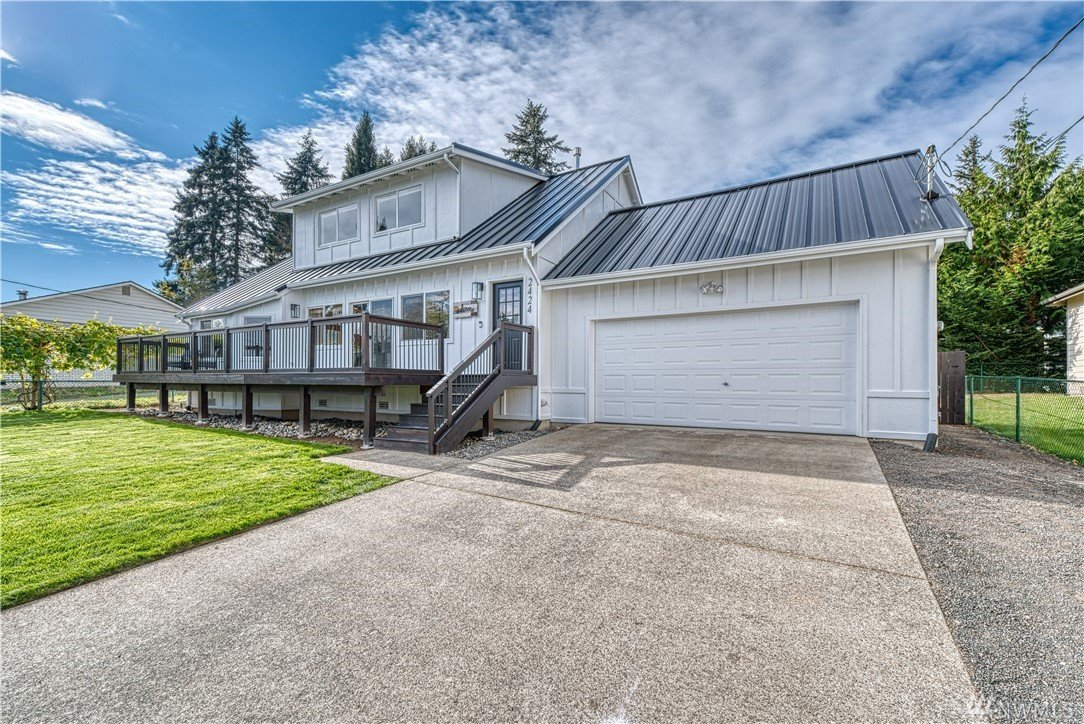 2424 E Alaska Ave, Port Orchard, WA 98366