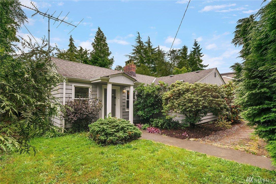 6730 18th Ave SW, Seattle, WA 98106