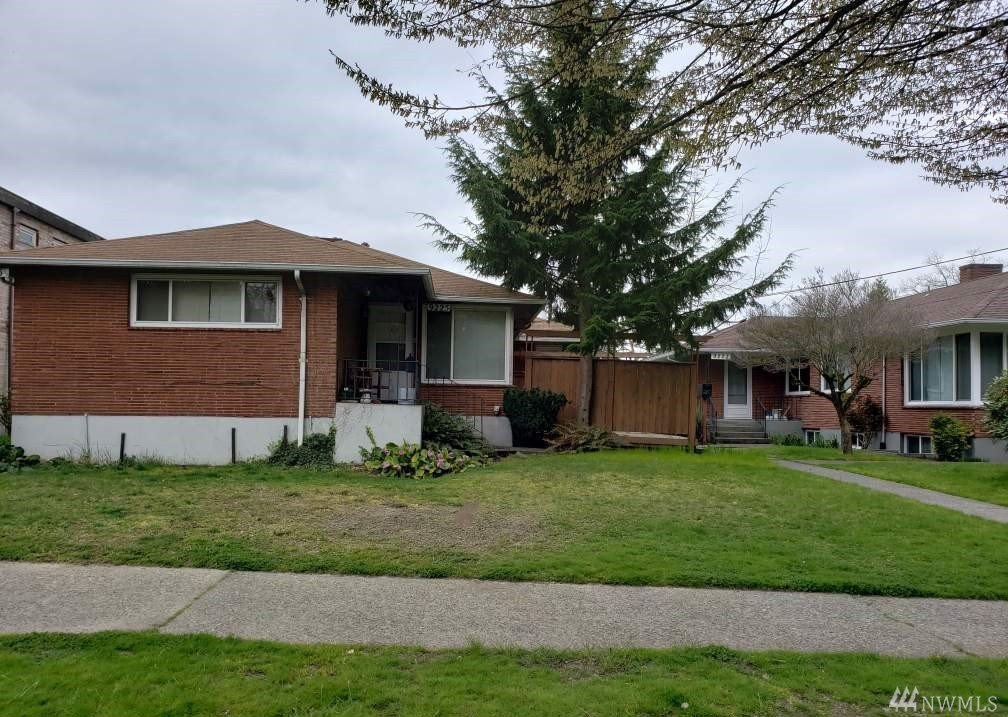 9225 35th Ave SW, Seattle, WA 98126